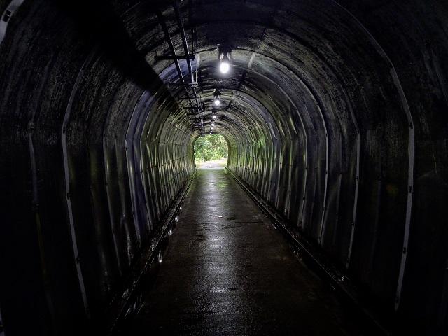 赤坂トンネル内部