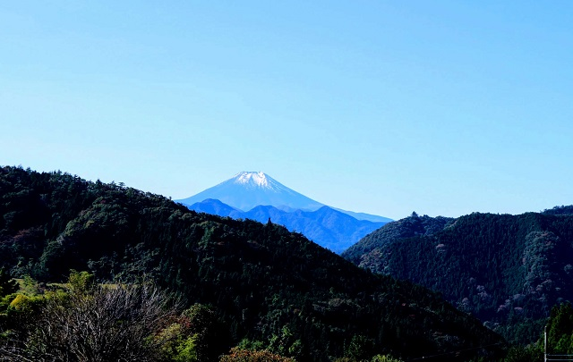 陣馬街道から見える富士山
