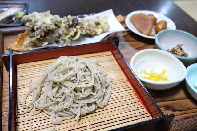 かんづくり荘 舞茸の天ぷらセット