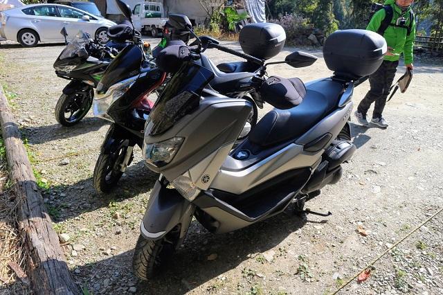 木庵駐車場 バイク