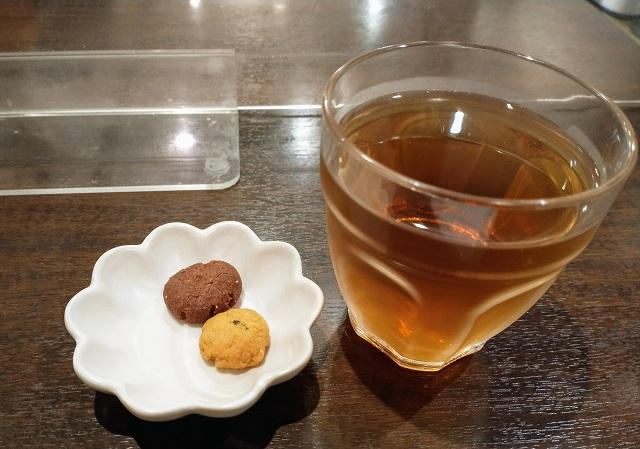 多摩うどんぽんぽこ お茶とクッキー